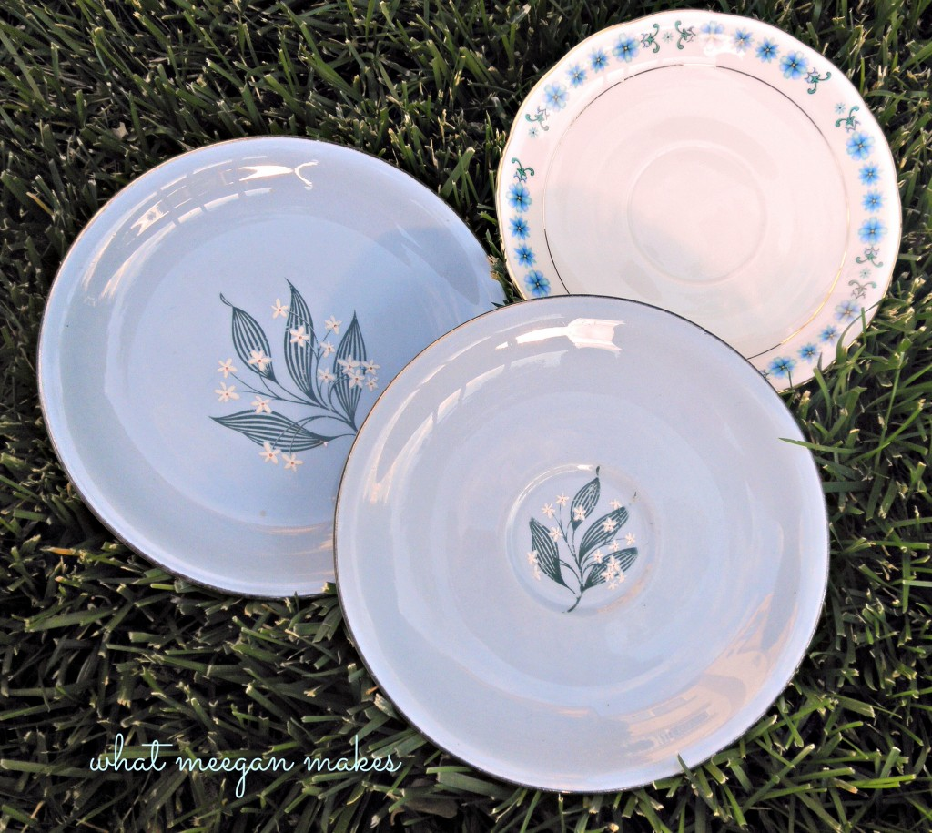 Easy To Hang Decorative Plates