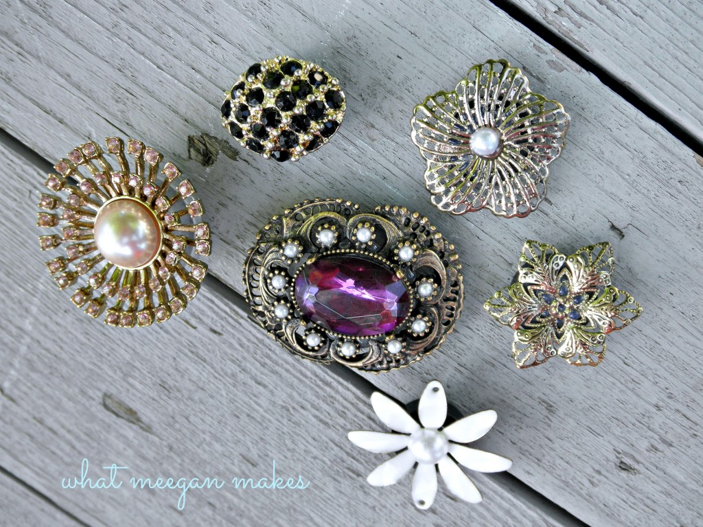 DIY Refrigerator Magnets Using Vintage Broaches and Pins - How to upcycle old and broken jewelry. #DIY #crafts #boho Making things with old jewelry,  broken jewelry crafts, diy boho, diy bohemian jewelry,  craft ideas with jewelry,  art made from old jewelry,  how to make vintage jewelry,  how to make vintage jewelry art,  items made from old jewelry,  how to update old jewelry