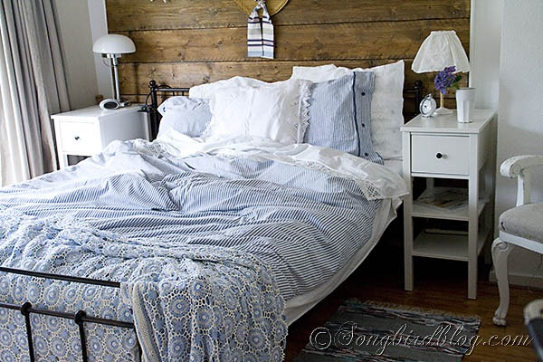 summer-bedroom-decoration-with-vintage-bedspread-at-Songbirdblog_thumb