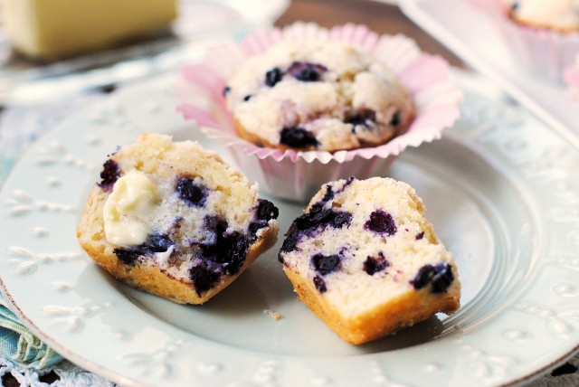 Blueberry-Muffins-1240-640x428