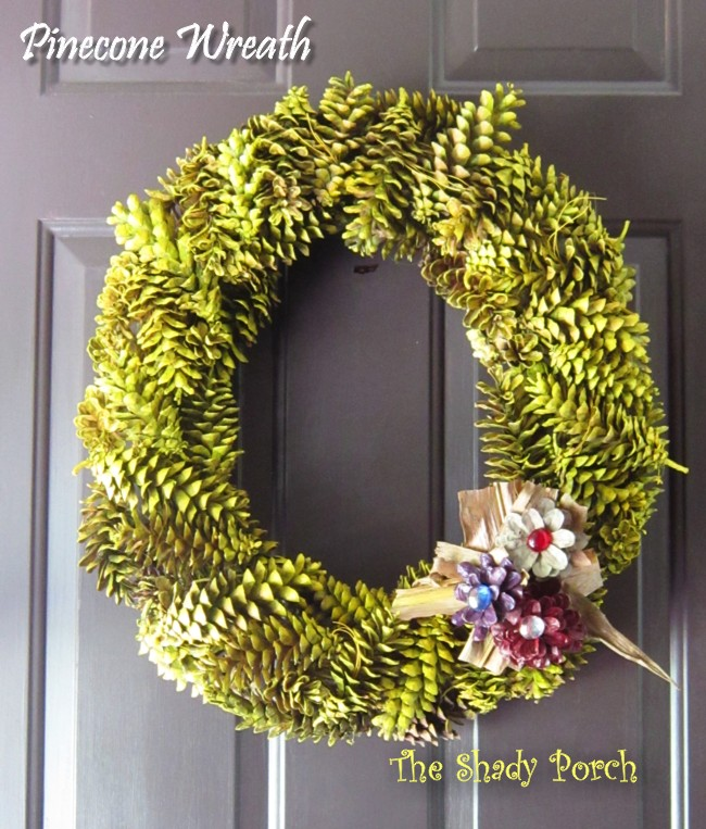 finished pinecone wreath