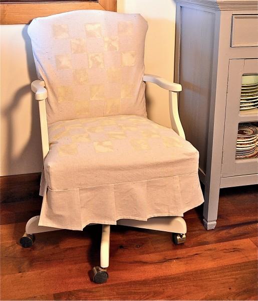 Thrift-shop-finds-office-chair-after-e1381709706302
