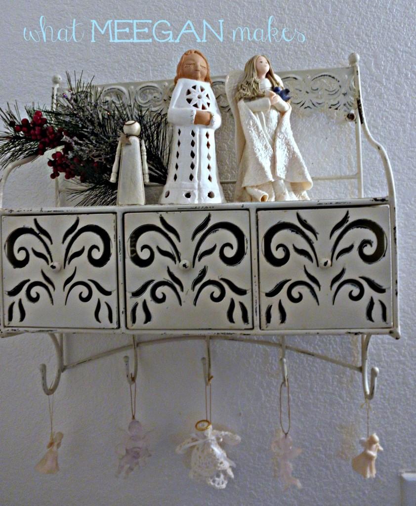 Guest Bathroom Christmas Decor