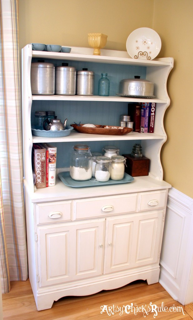 Bakers-Hutch-Makeover-with-Annie-Sloan-Chalk-Paint
