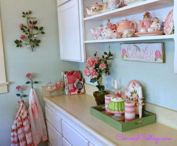Concord-Cottage-Aprons-Kitchen