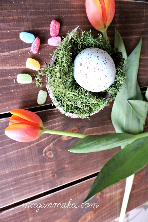 Easter Place Cards with eggs