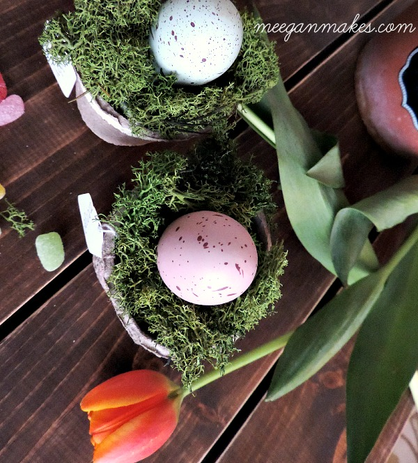 Easter Place Cards with moss and tulips