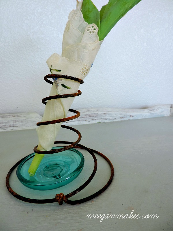 Box Spring Vase
