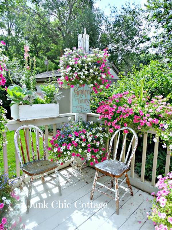 Junk Chic Cottage Deck