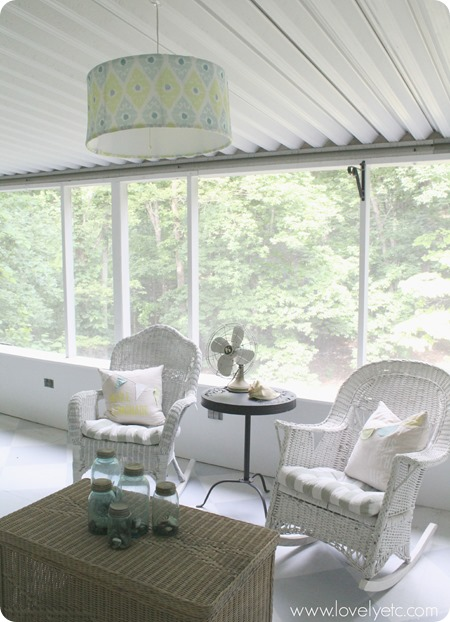 Hanging-light-on-the-screened-porch
