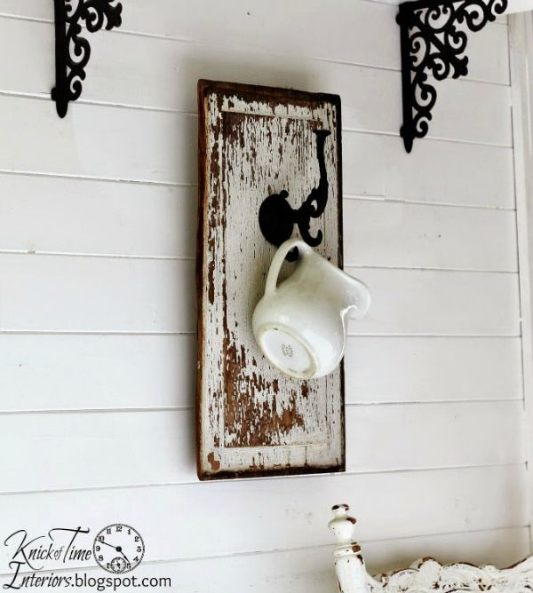 Chippy Wood Wall Hook via http---knickoftimeinteriors.blogspot.com-