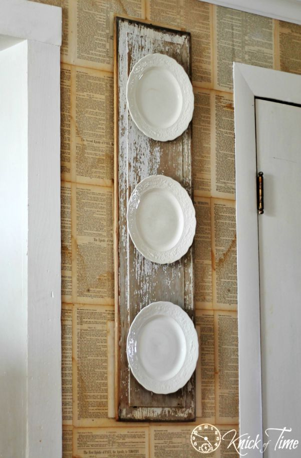 white-vintage-plates-display