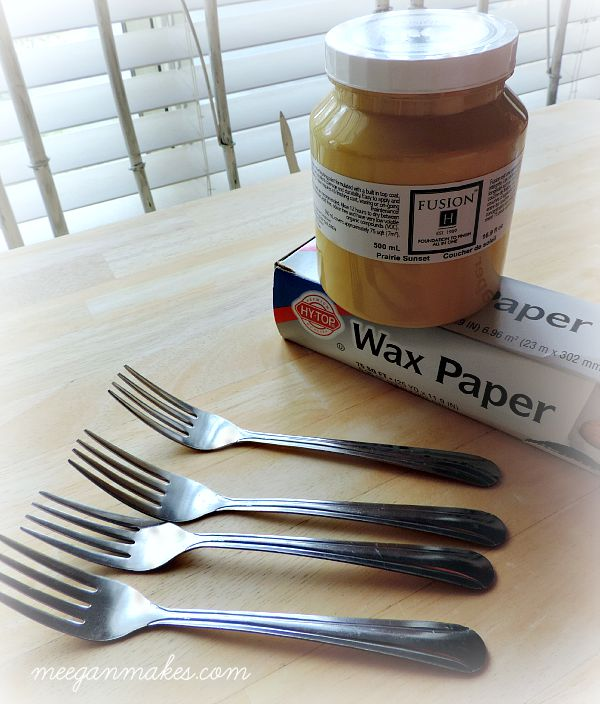 How to Dip Silverware in Paint