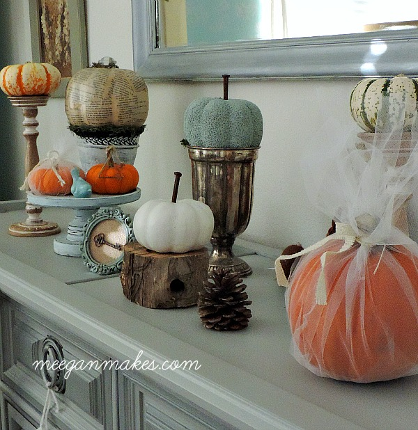 Fall Pumpkin Mantel