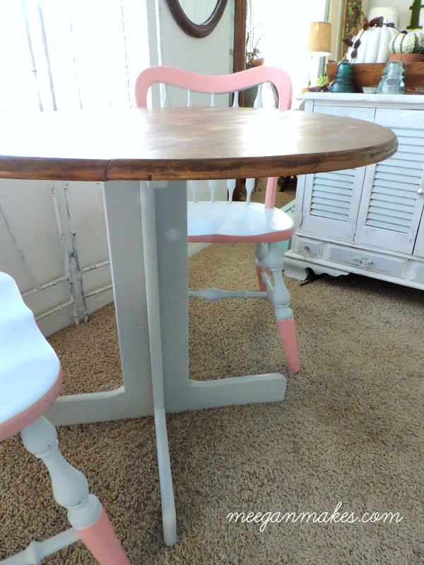 Thrifted Table and Chairs Makeover