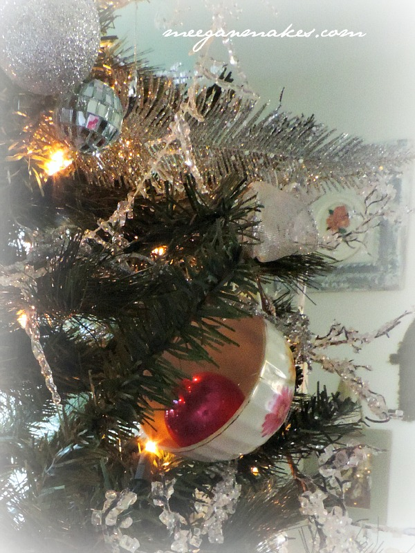 Christmas Tree with Tea Cups
