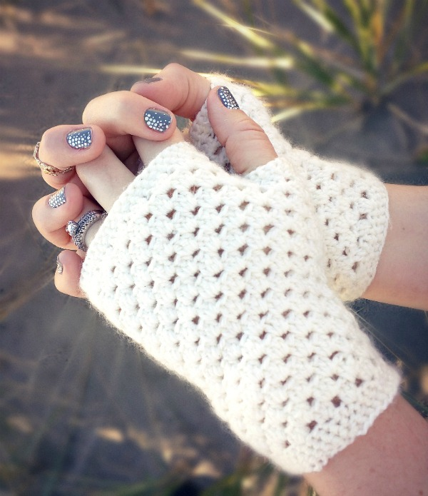 Free Crochet Patterns Hand Warmers : i should be mopping the floor: Inspiration Monday