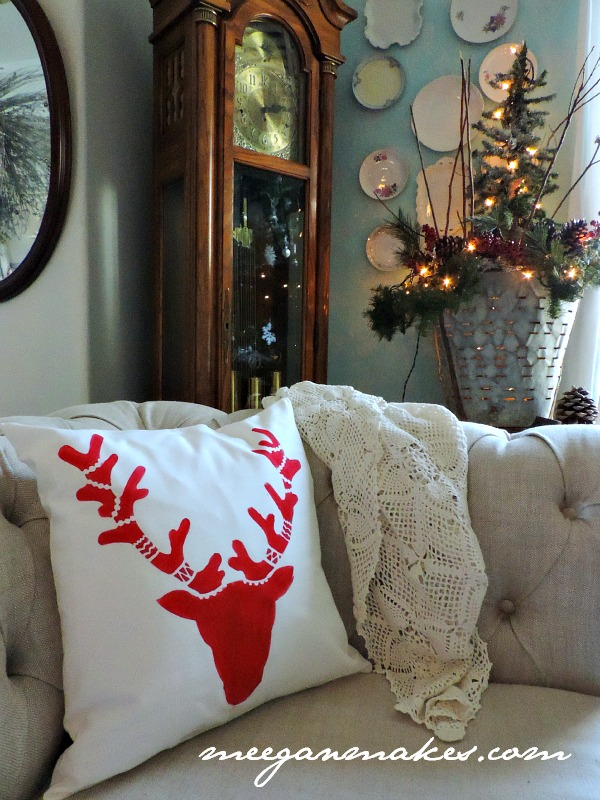 How To Stencil a Deer Pillow