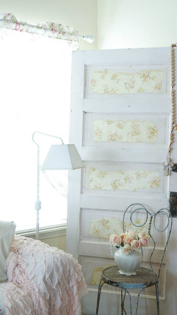 DIY-Shabby-chic-wallpaper-door-4-of-70