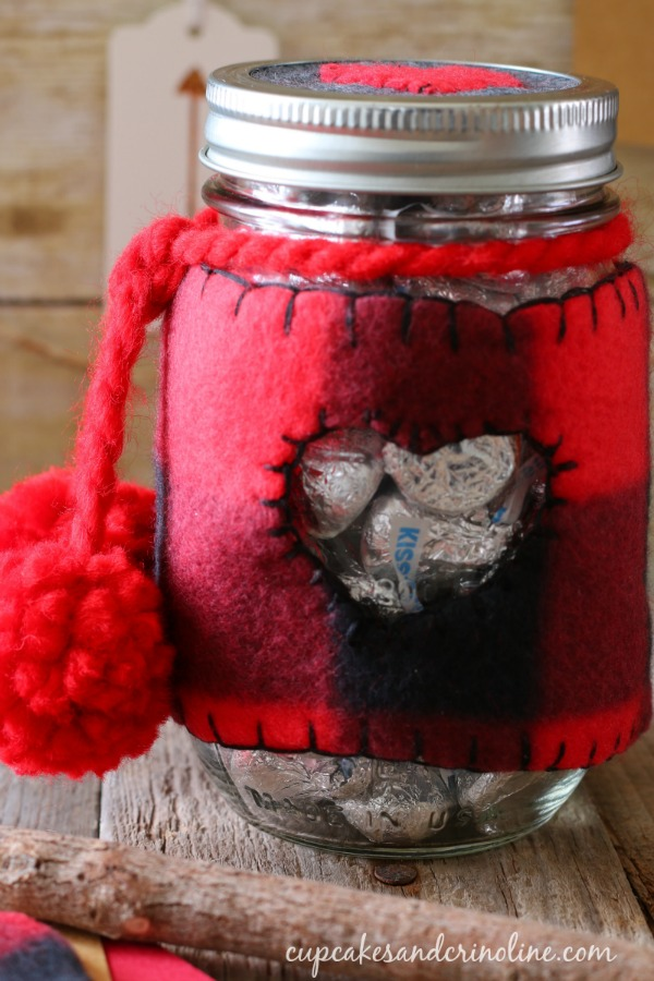 Valentines-Day-mason-jar-cozy-in-buffalo-check-cupcakesandcrinoline.com_