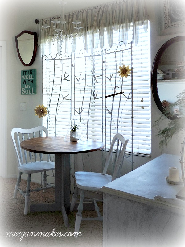Breakfast Nook Cottage Style