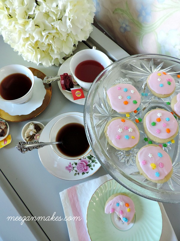 Lipton Tea with Sugar Cookies For Dessert