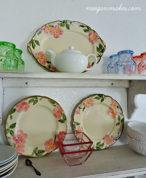 Vintage Style Kitchen Shelves