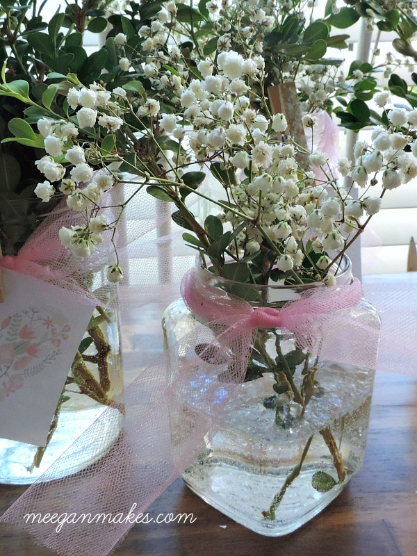 I love the idea of adding glitter to the vase for added color and dimension.