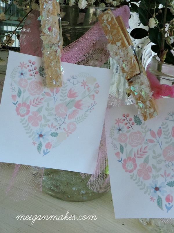 Love the clothes pins and the graphic heart for a baby or bridal shower. So cute!