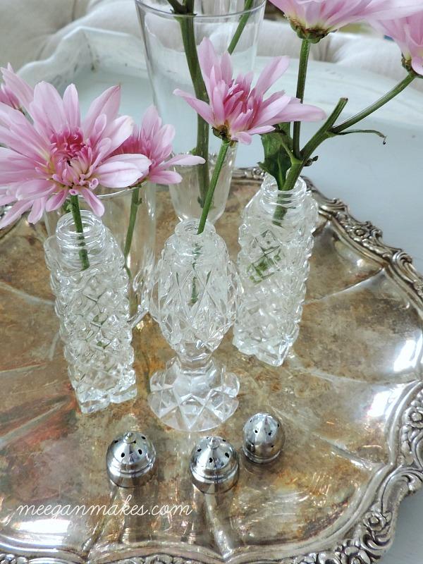 Salt and Pepper Shakers as Vases. Easy Peasy.