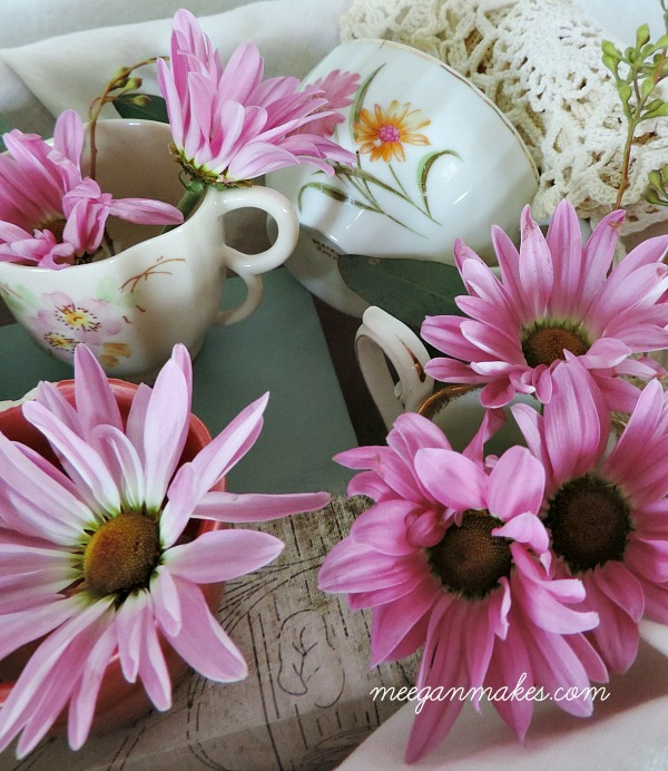 Daisy Mums in Tea Cups. So sweet for Spring Decorating.