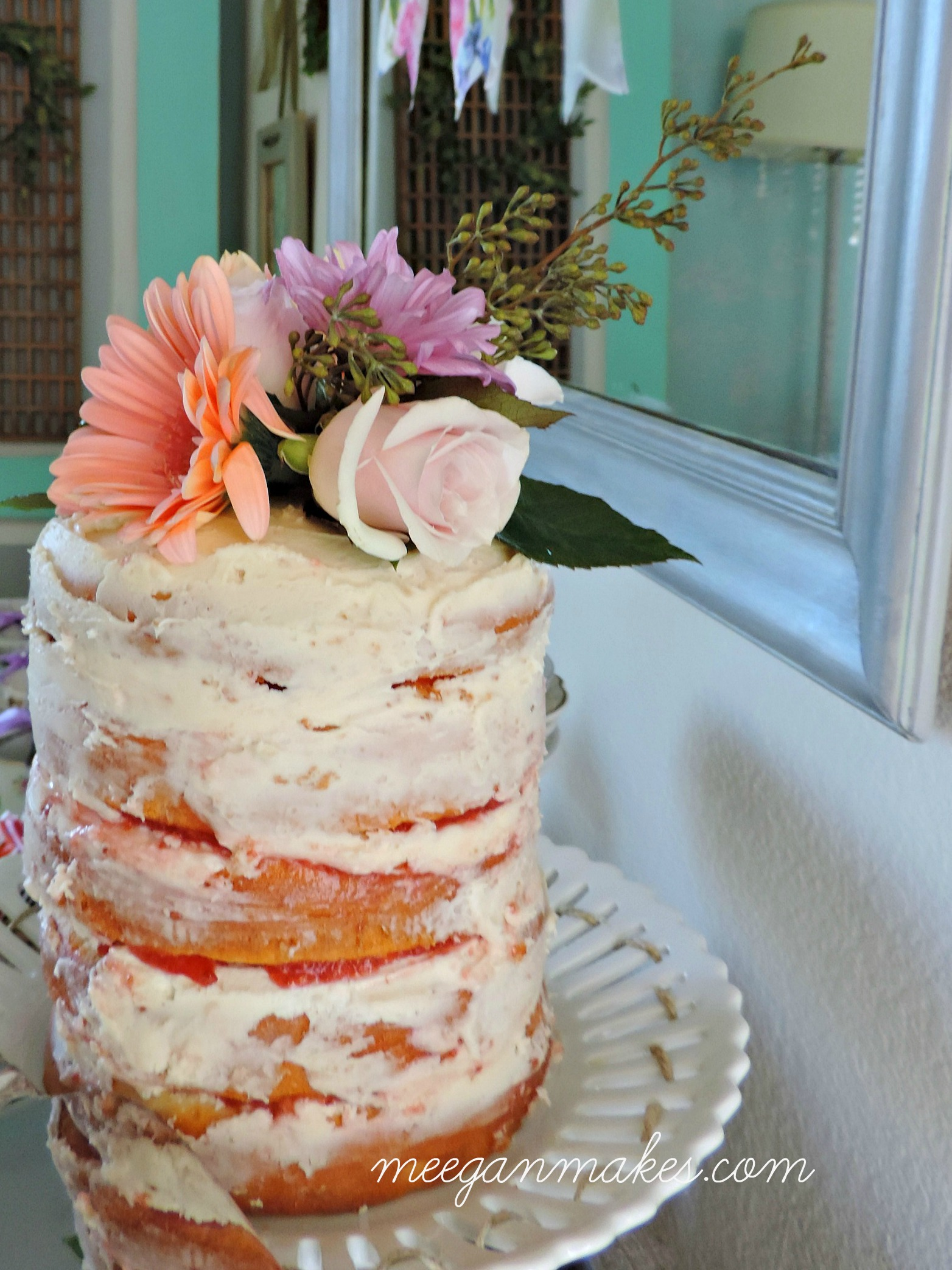 Naked-Cake-with-Butter-Cream-Frosting-and-Raspberry-Filling