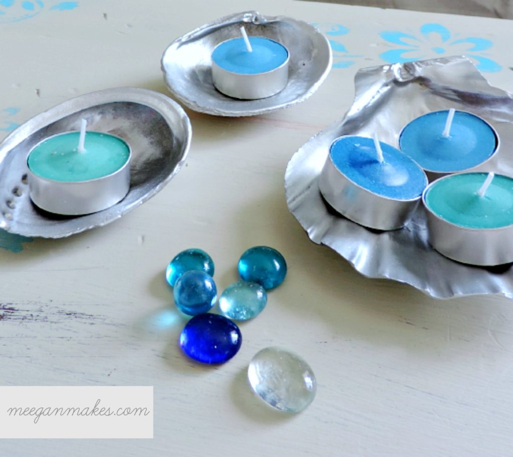 Silver-Shells-with-Marbles-and-Candles