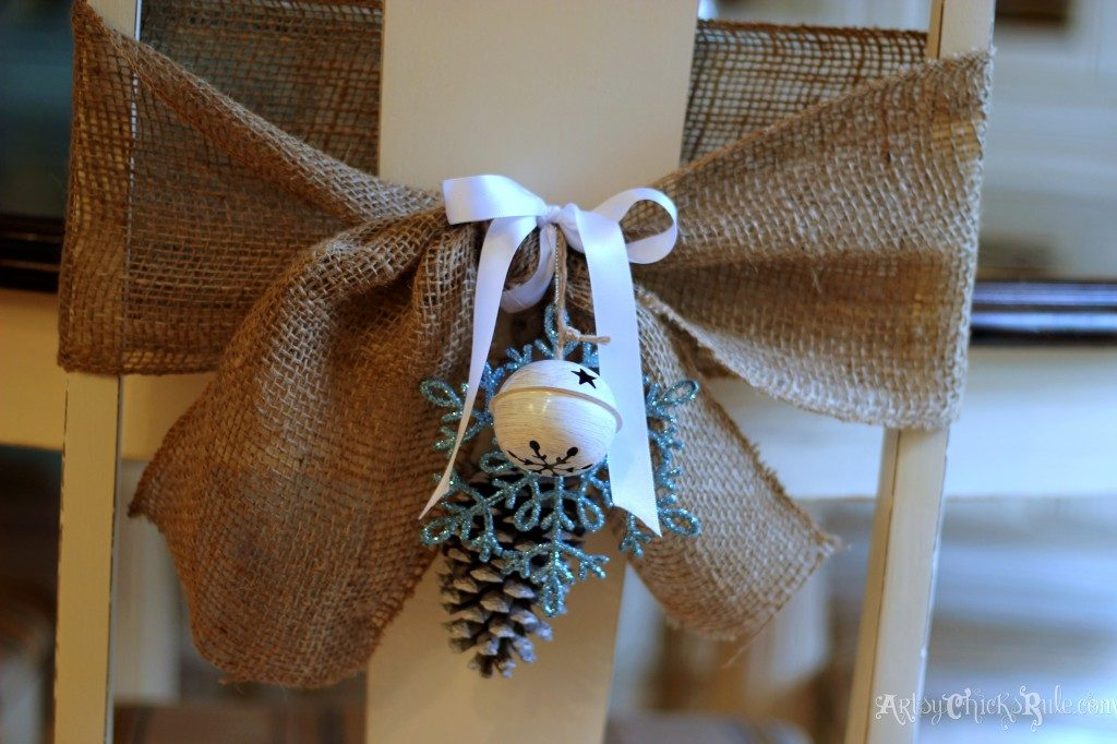 diy-chair-wraps-for-the-holidays-1024x682