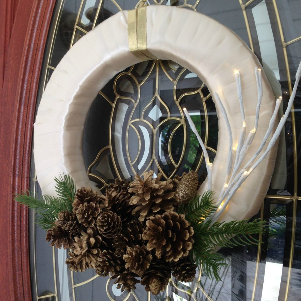 lighted-branch-winter-holiday-wreath
