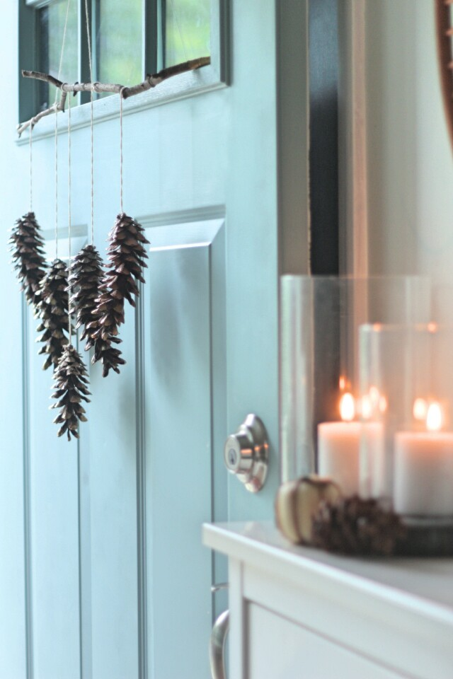 pine-cone-wall-hanging