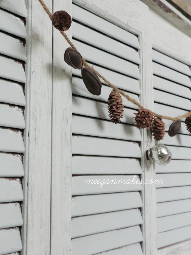 pine-cone-and-pecan-garland