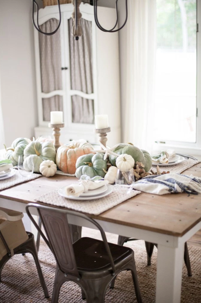 coastal-fall-tablescape-from-lauren-mcbride