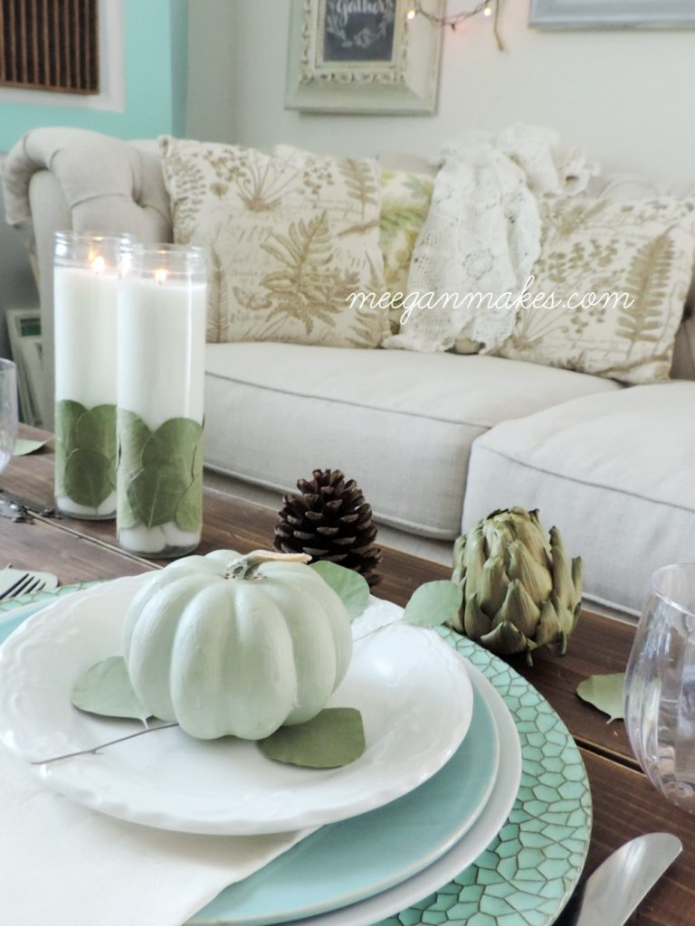 intimate-thanksgiving-table