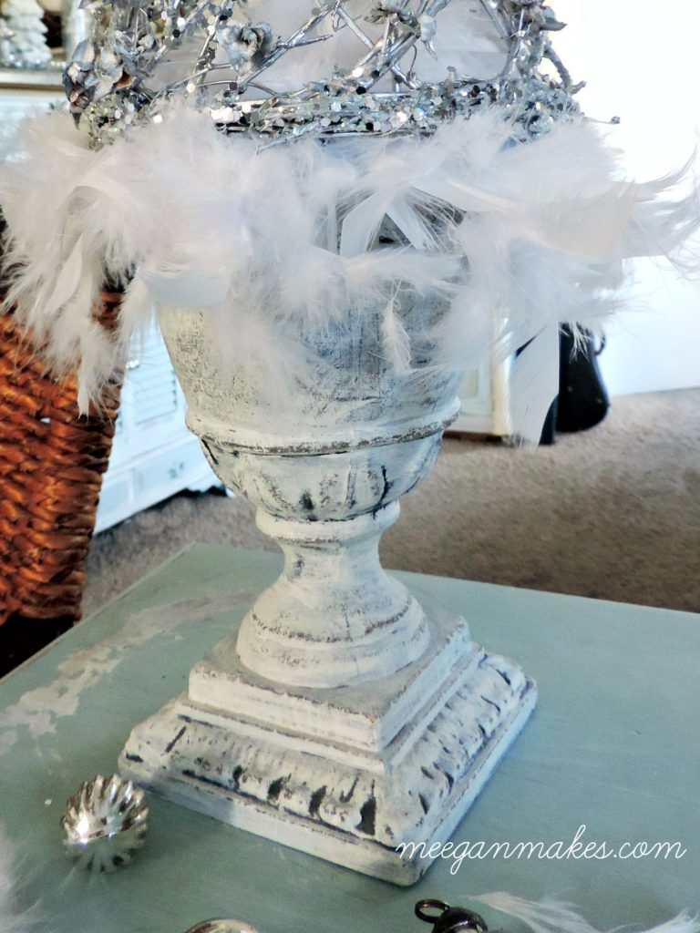 feathers-and-a-urn-for-a-christmas-tree-display-perfect