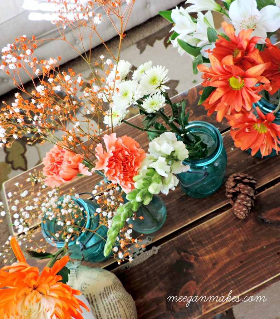 make-a-thanksgiving-tablescape-with-grocery-store-flowers-from-meeganmakes-com