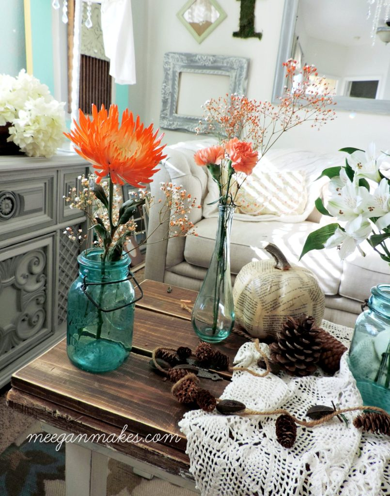 thanksgiving-table-with-grocery-store-flowers-from-meeganmakes-com