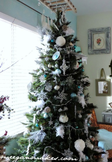 christmas-tree-with-feathers-and-tea-cups-by-meeganmakes-com-button
