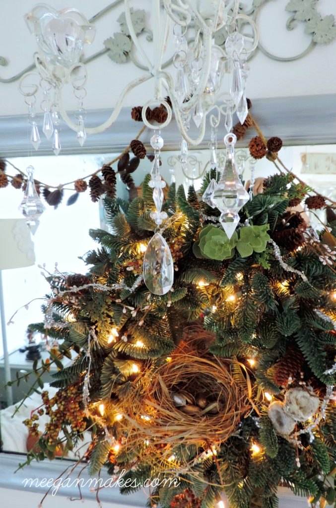 christmas-wreath-and-chandelier